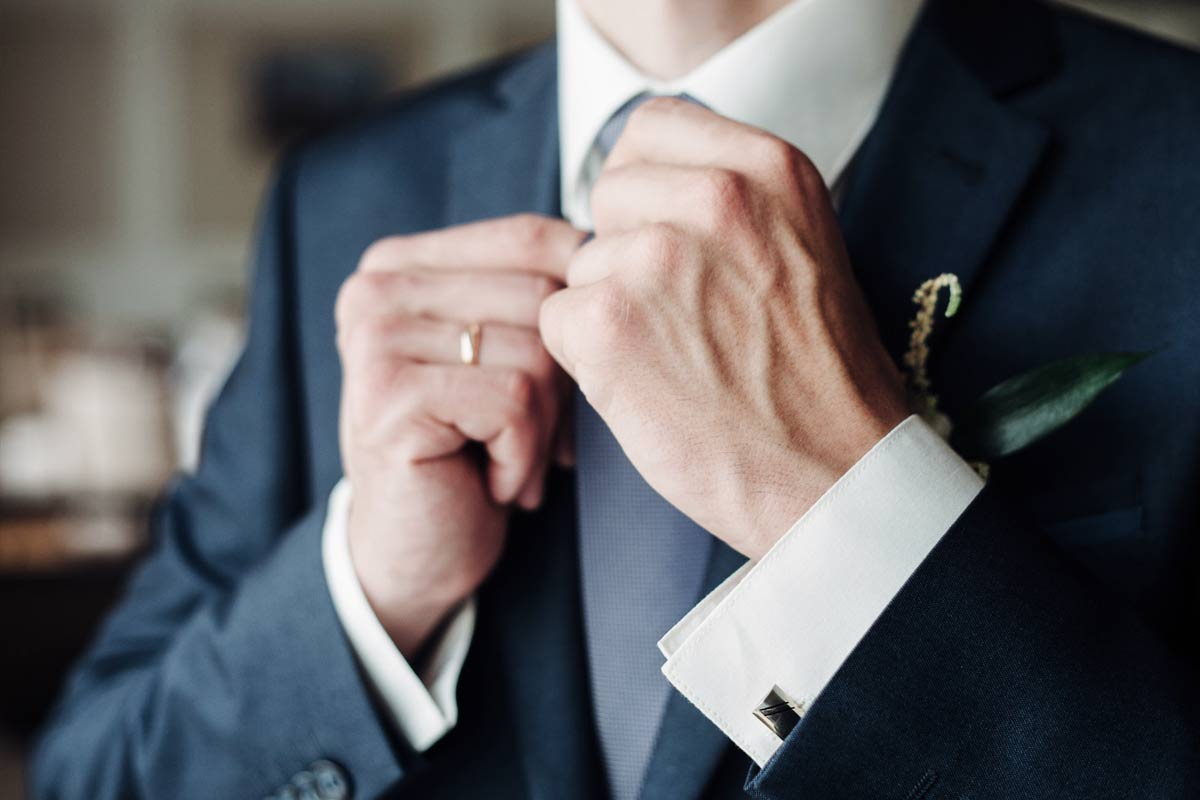 Abito da sposo: consigli di stile e accessori per il matrimonio