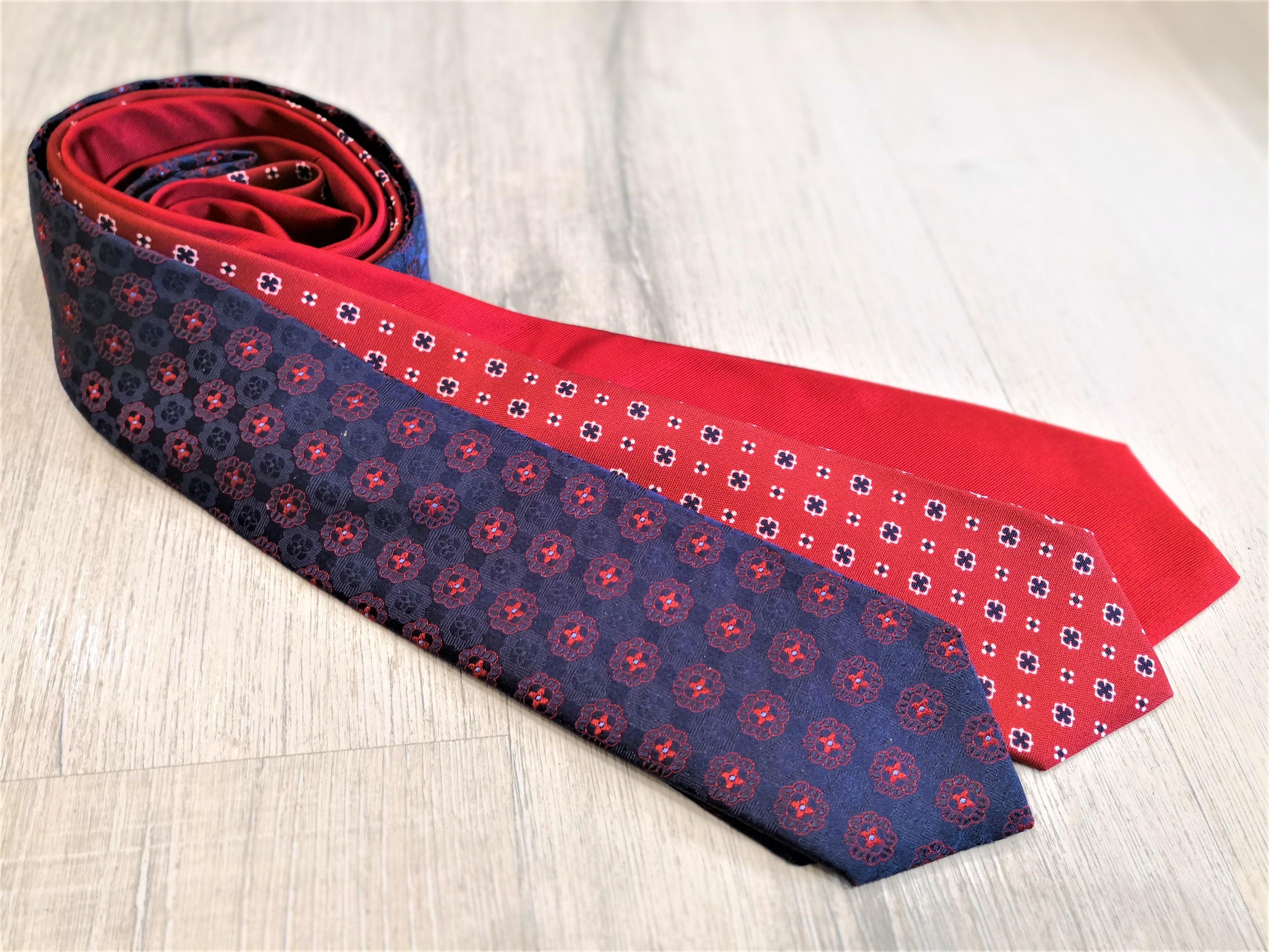 3 cravatte rosse