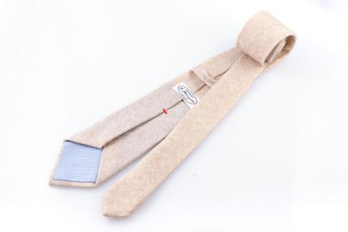 Cravatta artigianale sartoria fatta a mano crema