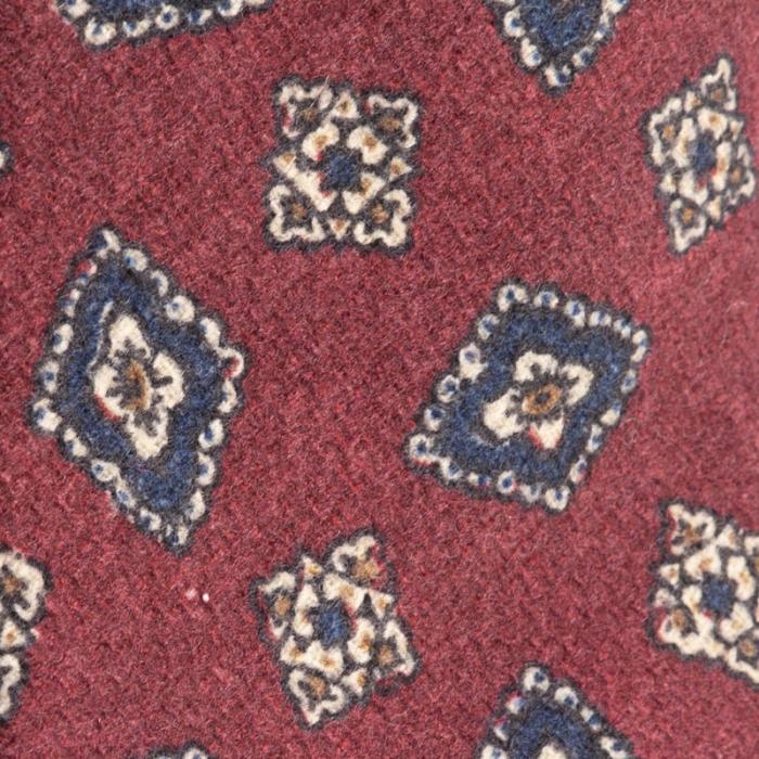 Cravatta artigianale sartoria fatta a mano rossa con fantasia