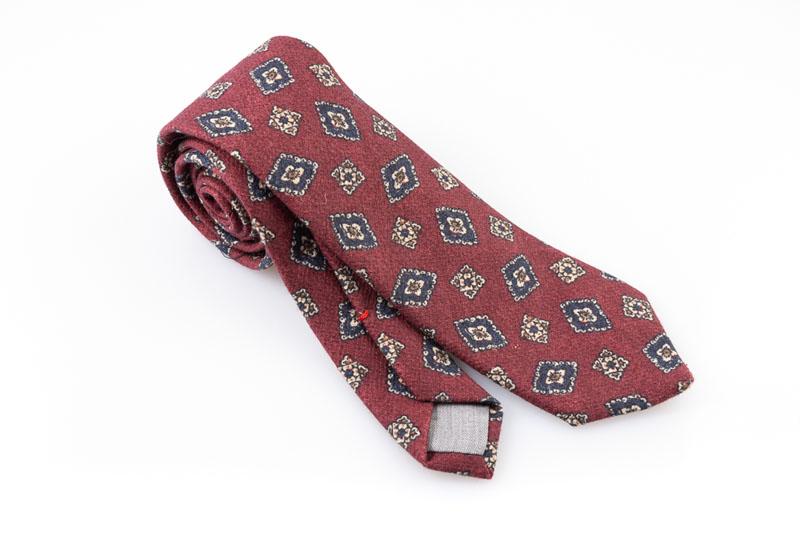 Cravatta artigianale sartoria fatta a mano rossa