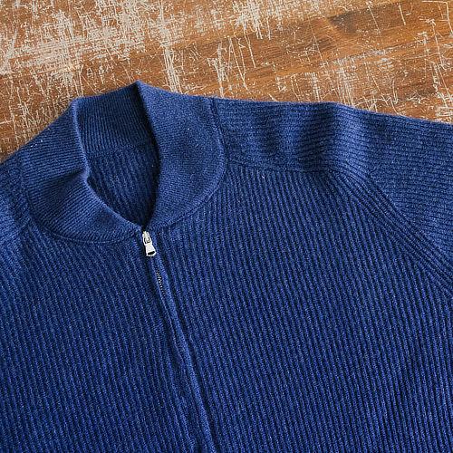 Maglione Margutti in cashmere blu con zip fatto a mano su misura