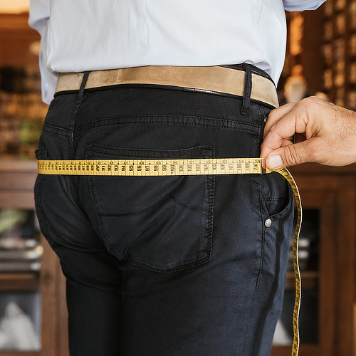 Come prendere le misure dei fianchi per camicia su misura
